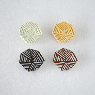 BIRDS'WORDS(バーズワーズ) PATTERNED MINI BROOCH パターンドミニブローチ [A]